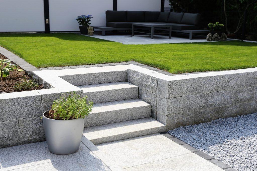 Grysy ogrodowe – pomocne narzędzie w budowie geometrycznego ogrodu